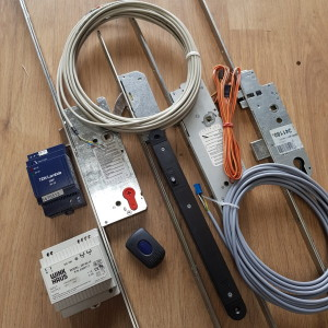 **ELECTRONIC MULTIPOINT LOCKS & KITS**
